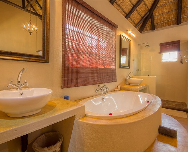 Mvuradona-Safari-Lodge--27