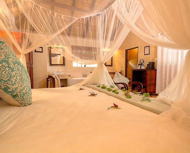 Mvuradona-Safari-Lodge--9